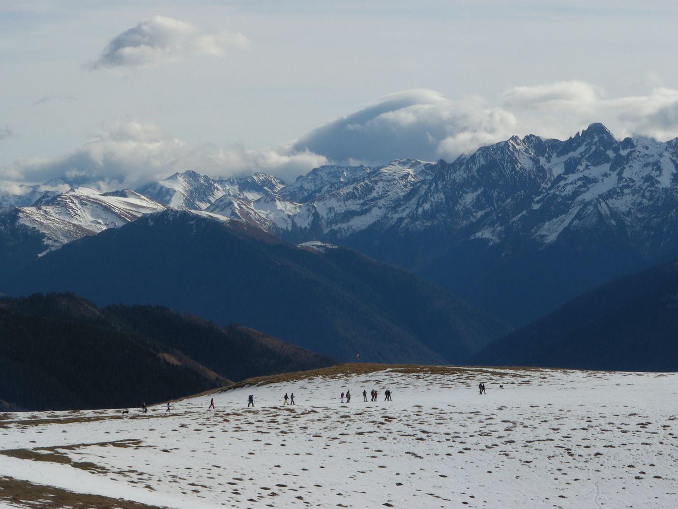 Le bureau au fil des voyages activit s montagnes pyr n es for Bureau pyrenees